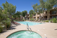 CBRE Arranges $16.8 Million to Finance Crestone Apartments in Phoenix