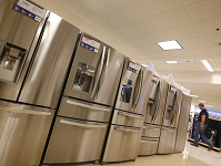 ORDERS FOR LONG-LASTING US DURABLE GOODS UP 0.7% IN JUNE